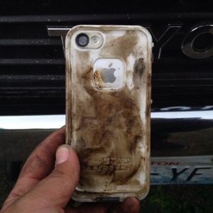 dirty phone, how to clean your phone, social media help