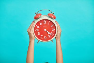 red clock, when is the best time to post on social media